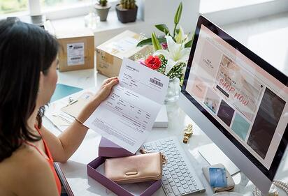 Online-shopping-and-packaging-design