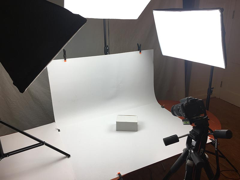 basic-photo-studio-setup-with-table-lights-camera-1
