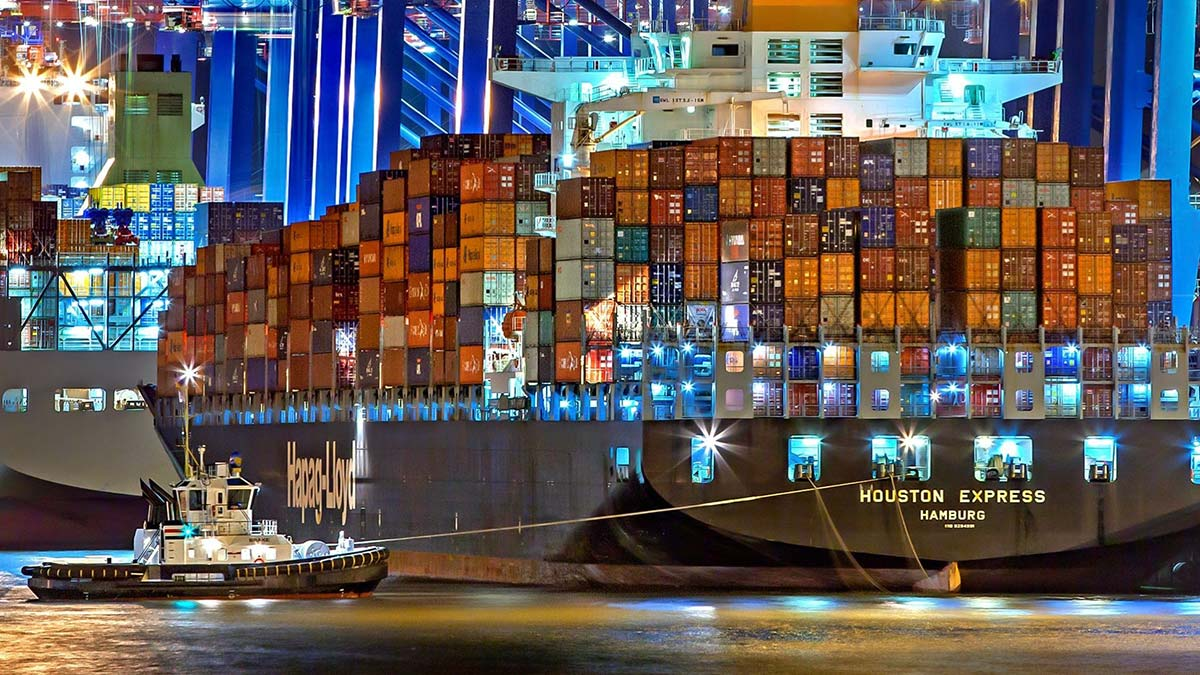 container-ship-in-port
