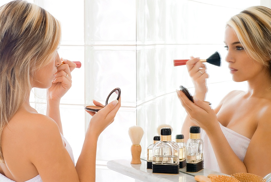 women-beauty-product-application